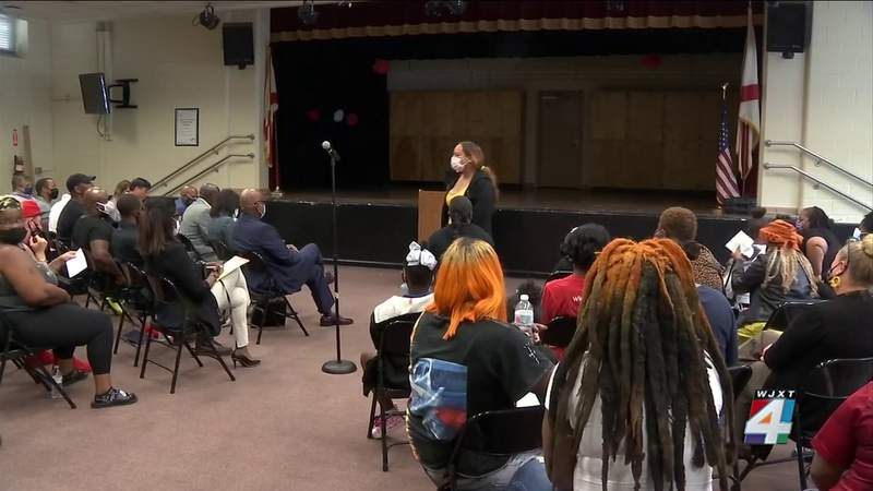 Change is coming, leaders promise tenants at mice-infested apartment community