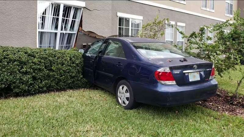 6 units evacuated after car crashes through apartment wall in Fleming Island