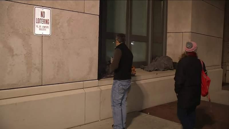 Volunteers work to calculate the number of homeless people in Jacksonville