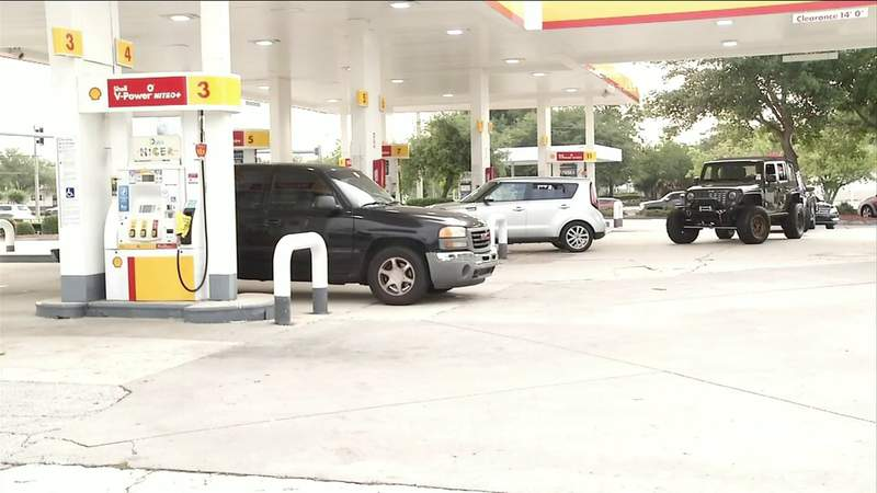 Drivers wait in lines at Southeast gas stations after pipeline hack leads to distribution problems, panic-buying
