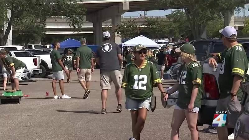 Saints-Packers game brings crowds to TIAA Bank Field
