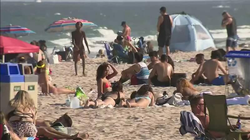 Coronavirus pandemic not keeping spring breakers away from South Florida
