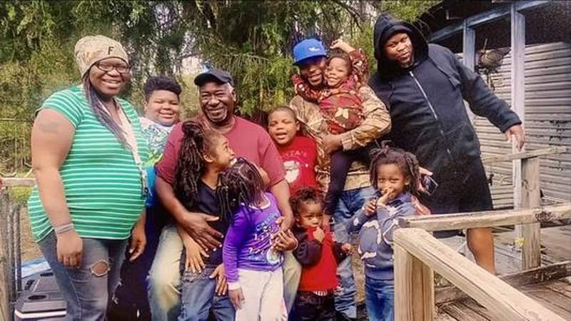 Neighbors offering support after missing siblings reunited with family