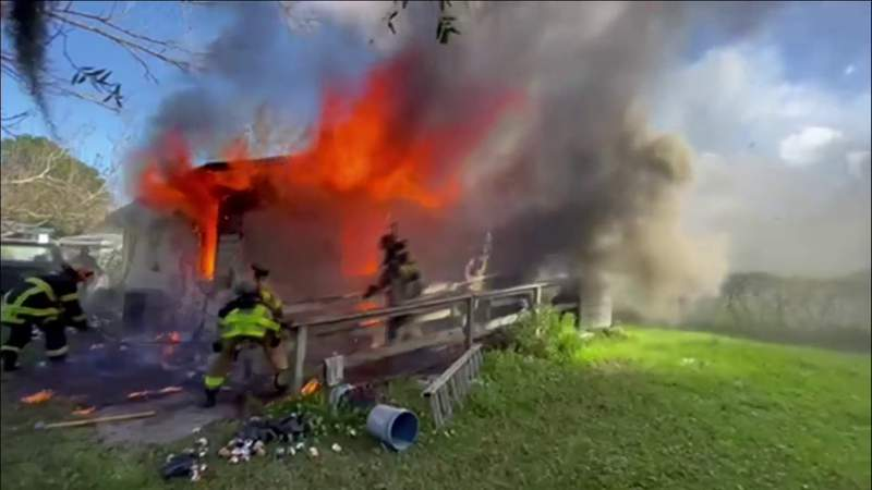 4 firefighters burned attempting rescue from house fire