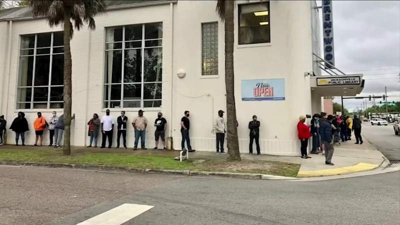 Jacksonville residents flock to pop-up vaccine site for single-dose shots