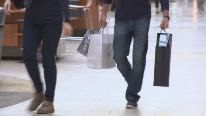 Returning Christmas gifts? Here are 3 rules to follow