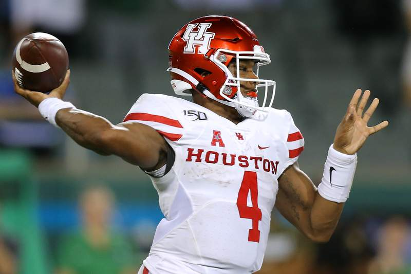 Former Houston quarterback D'Eriq King announced Monday that he is transferring to Miami, a significant get for the Hurricanes as they try to bounce back from a 6-7 season. (Getty photos)