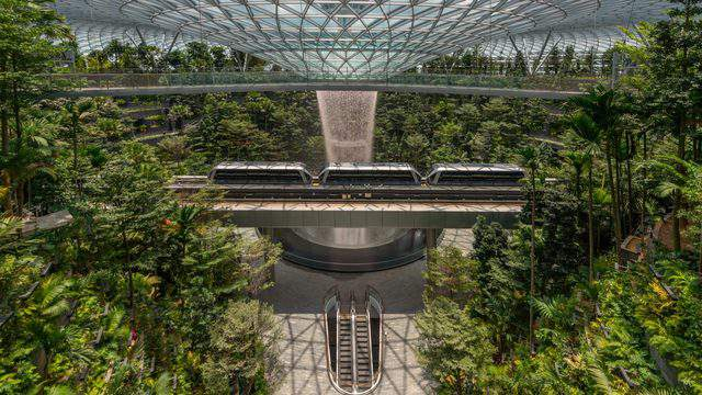 Photo provided by Jewel Changi Airport Devt.