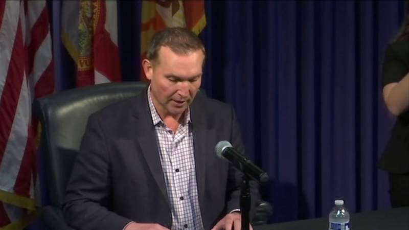 Mayor lays out plan to close Jacksonville's bars during COVID-19 pandemic