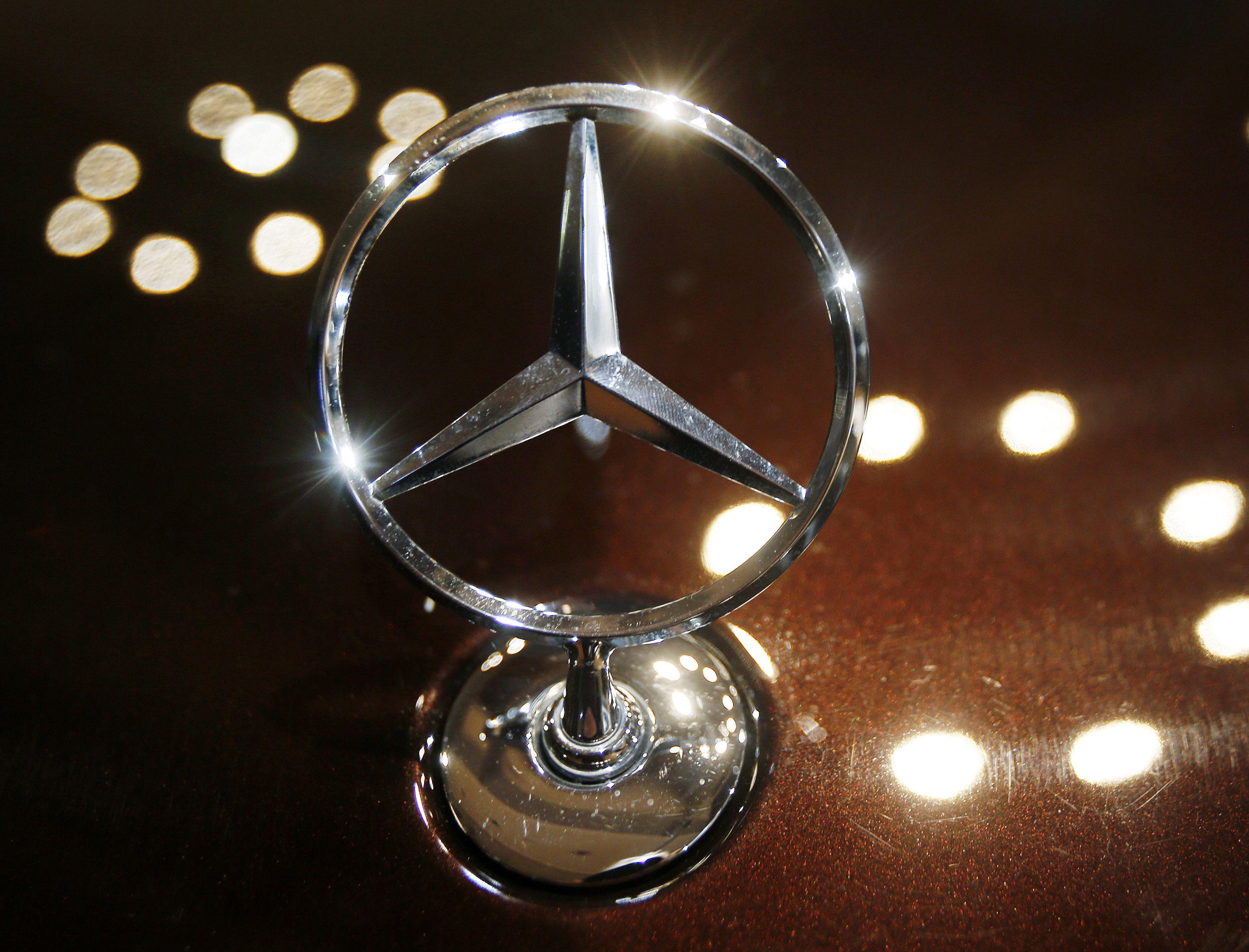 Daimler: $4.3 billion quarterly profit despite chip shortage
