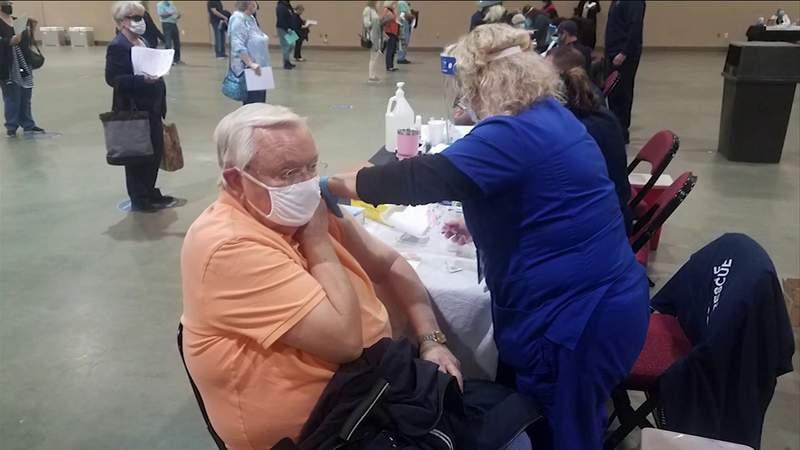 Jacksonville seniors receiving COVID-19 vaccine