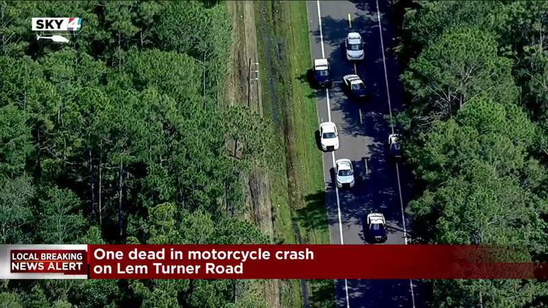 1 killed in Jacksonville motorcycle crash, troopers say