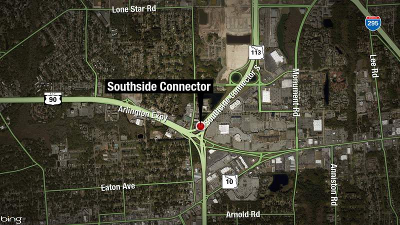 A JSO cruiser collided with another vehicle at the intersection of Arlington Expressway and the Southside Connector early Sunday morning.
