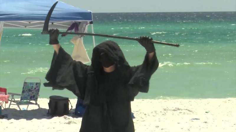 Florida lawyer dresses as Grim Reaper to protest reopening of beaches