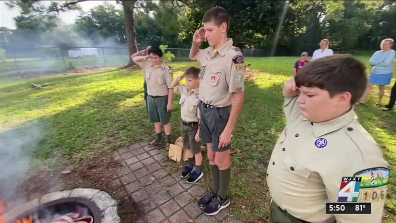 Boy Scouts perform flag disposal ceremony