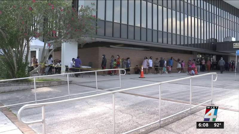 Jacksonville residents brave heat and long wait times for COVID-19 tests