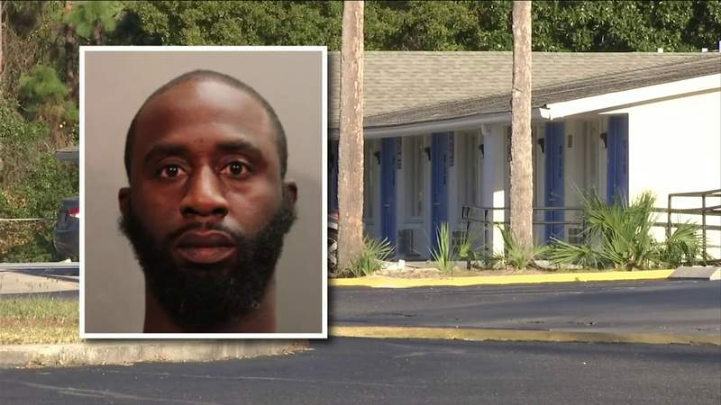 Police: Man arrested after naked woman tries to flee Jacksonville hotel room