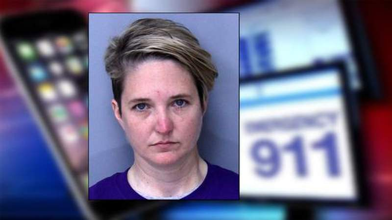 GF Default - ?I?m not getting arrested? woman chased by deputies tells 911 operator