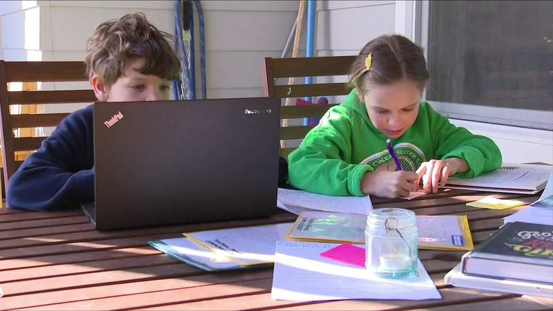 Students face challenges with online learning