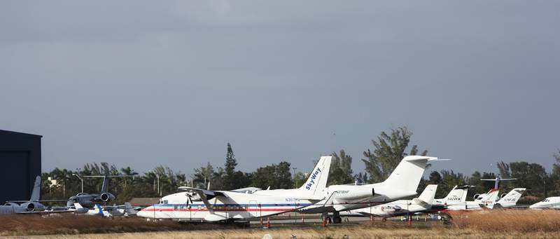 File:Aircraft at Opa-Locka Executive Airport, 2018