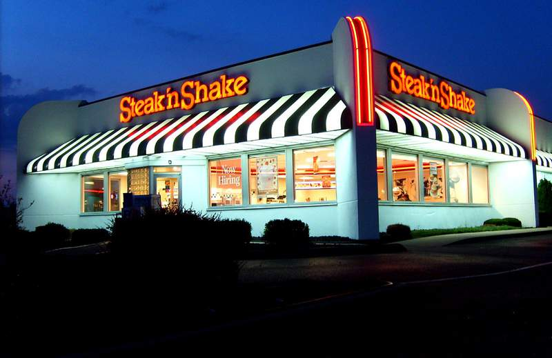Steak 'N Shake is losing dozens of its locations due to financial woes.