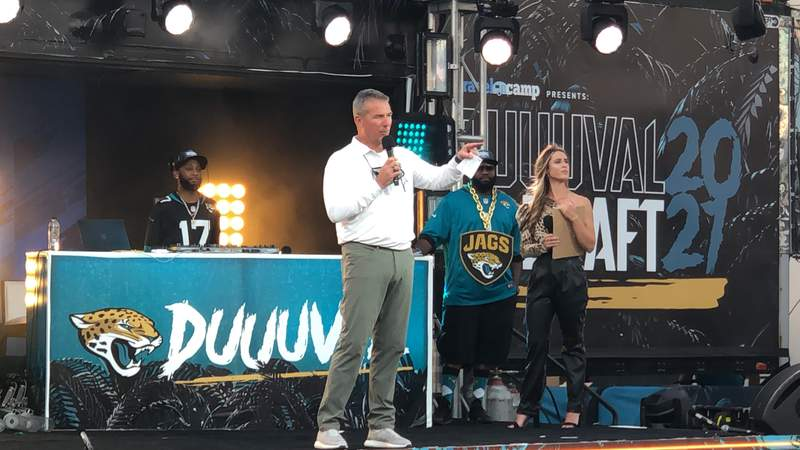 Urban Meyer speaks to fans at TIAA Bank Field during the first round of the NFL draft on Thursday night.