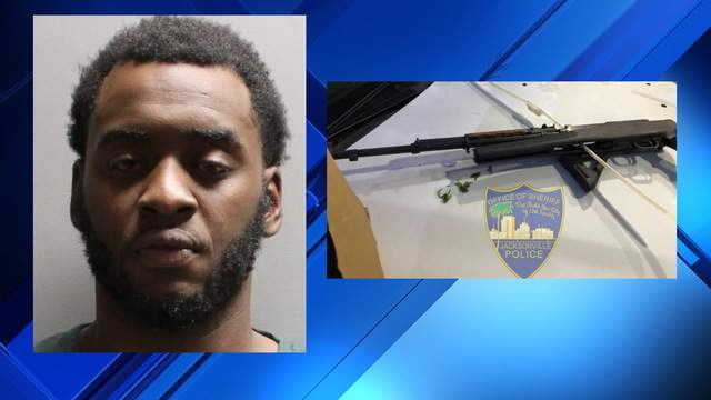 Jacksonville Sheriff's Office booking photo of Michael Barr and image of the rifle police say they discovered