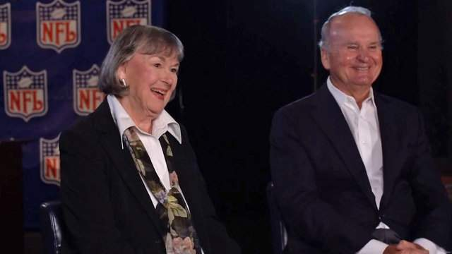 Delores and Wayne Weaver remember the events before, during and after the Jaguars were born.