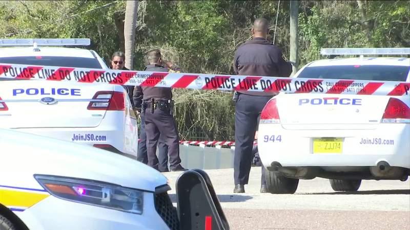 Police: Jacksonville officer shoots suspect wielding butcher knife