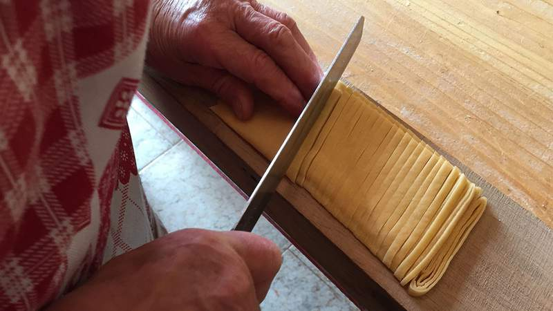 Learn to cook authentic pasta with this live course taught by an Italian nonna and her family.