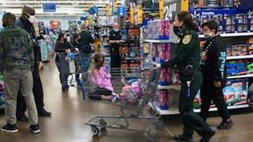 Annual Shop with a Cop event spreads Christmas cheer to kids less fortunate