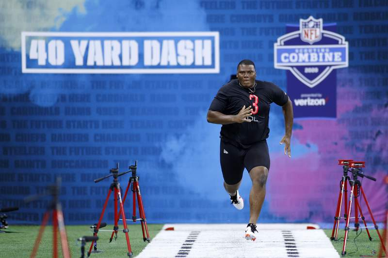 INDIANAPOLIS, IN - FEBRUARY 29: Defensive lineman Derrick Brown of Auburn runs the 40-yard dash during the NFL Combine at Lucas Oil Stadium on February 29, 2020 in Indianapolis, Indiana. (Photo by Joe Robbins/Getty Images)
