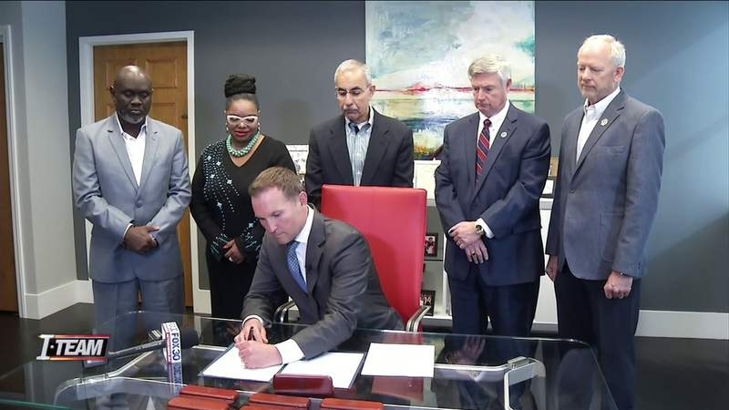 Mayor signs bill giving tax rebates to owner of Valencia Way, 3 other apartment complexes