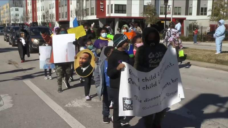 Jacksonville's Dr. Martin Luther King Jr. Day Parade continues 4-decade tradition