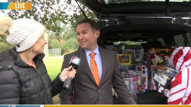 GF Default - Mayor Curry stops by the News4Jax Toy Drive | River City Live