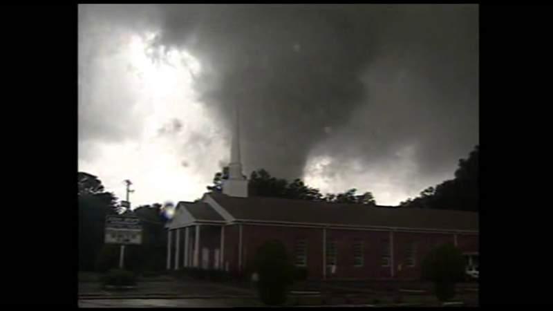 F-2 tornado touches down in Northwest Jacksonville in 2004