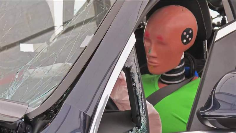 Consumer Reports: Crash test dummies' male design may put women at risk