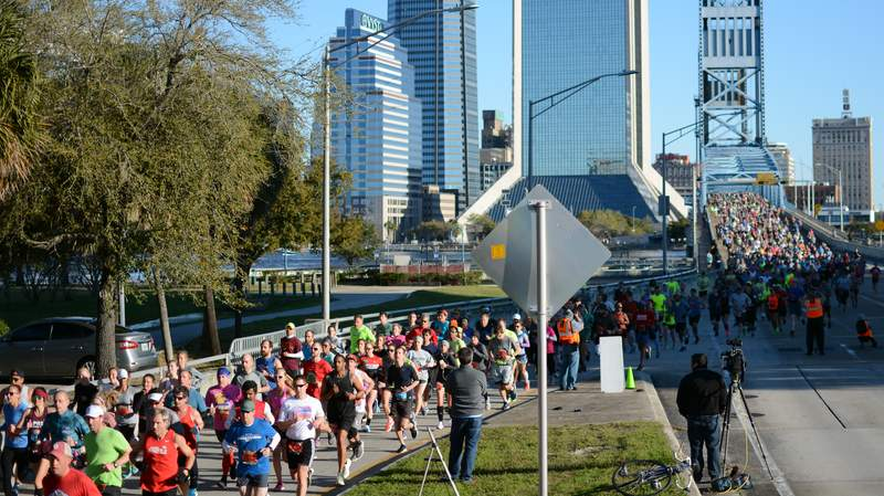 Miller's photo of Gate River Run