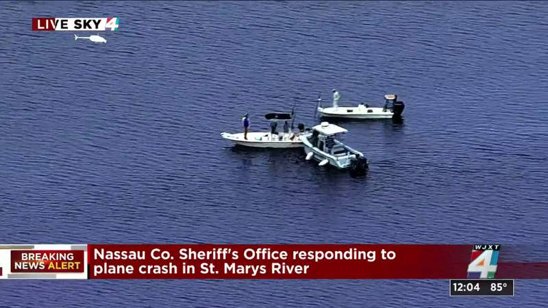 As it happened: First witness reports of plane that crashed in St. Marys River.