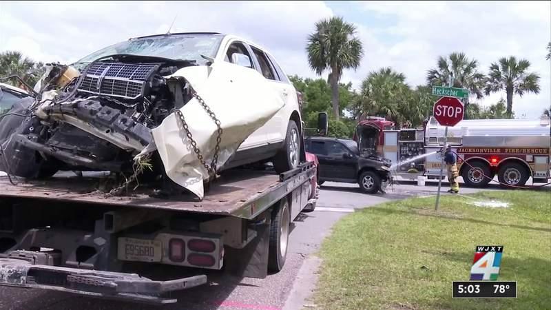 2 seriously injured in head-on crash on Heckscher Drive, JFRD says