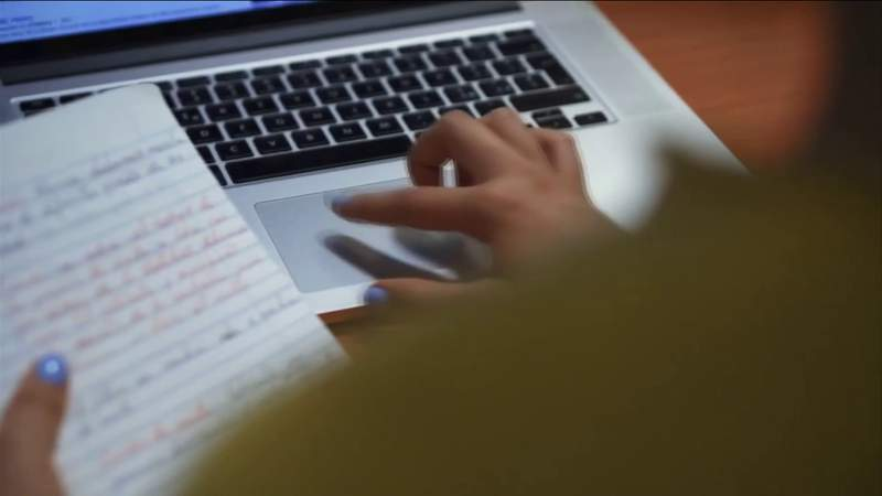 Distance learning gets mixed reviews from Northeast Florida parents