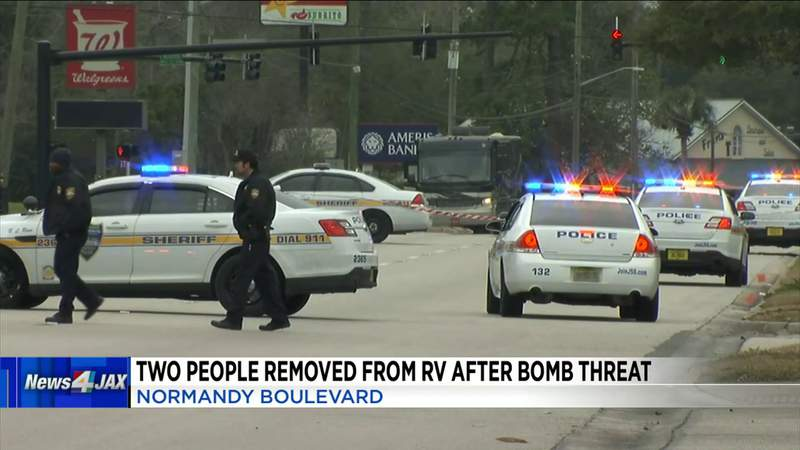Bomb threat investigation closes Westside intersection for hours Saturday