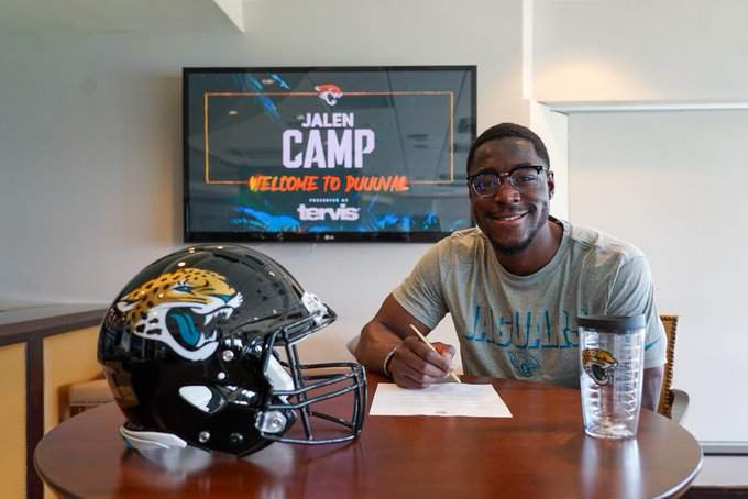 Jaguars sixth-round pick, wide receiver Jalen Camp signs his rookie deal with the team.