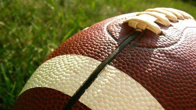 A federal judge approved Monday a preliminary settlement in a class action lawsuit filed by thousands of former NFL players against the National Football League over concussions. Take a look at NFL players who have died young, many