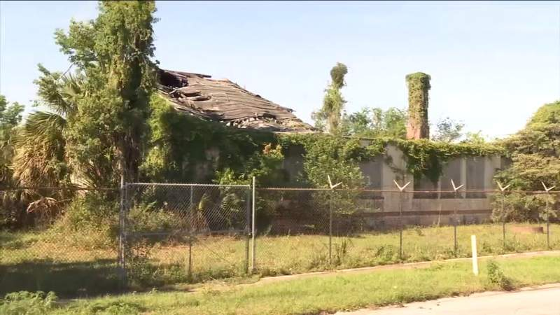 Former students want dilapidated, historic school building restored