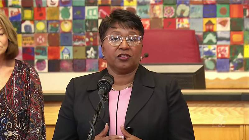 Duval superintendent lays out ambitious plan for remote learning