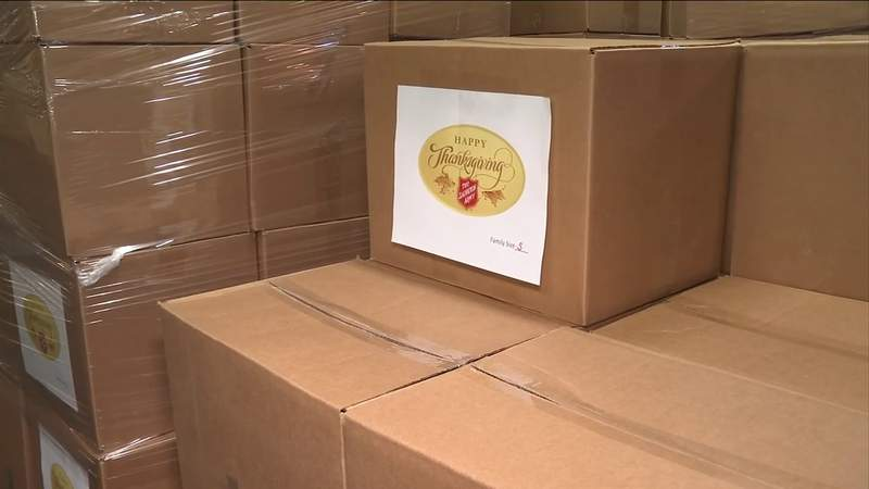 Salvation Army distributes Thanksgiving food to 1K families