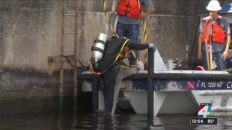 Crews continue inspection of Hart Bridge