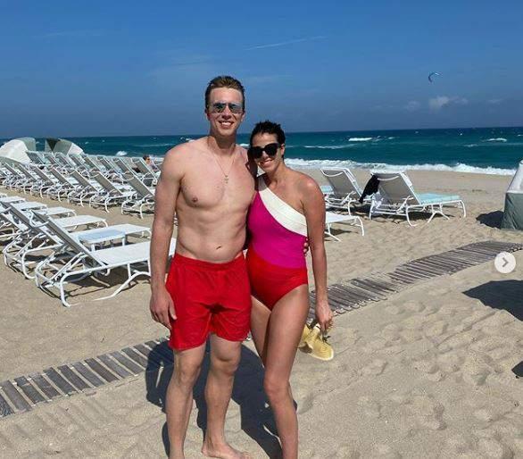 Tori Foles Wife Of Jaguars Qb Nick Foles Announces Pregnancy