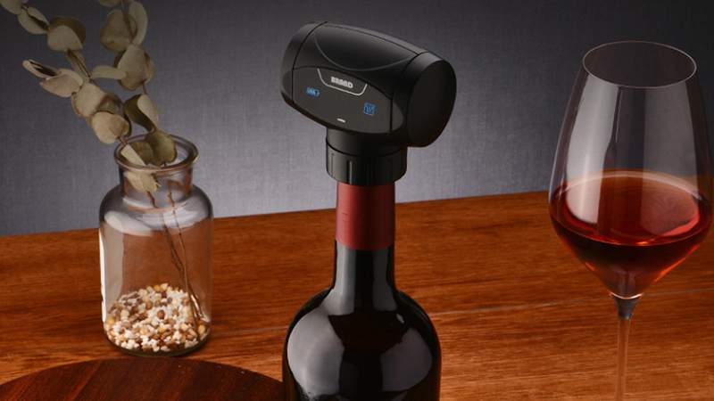 Lock-in all of the aromas and flavors with this electronic wine sealer